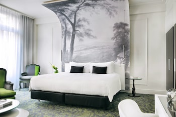 Family Suite, 1 King Bed with Sofa bed