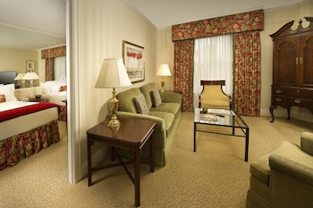 Deluxe Suite, 2 Queen Beds