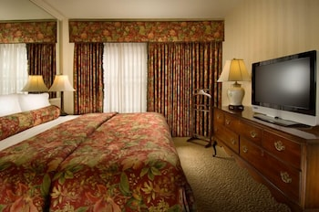 Guestroom at Mayflower Park Hotel in Seattle