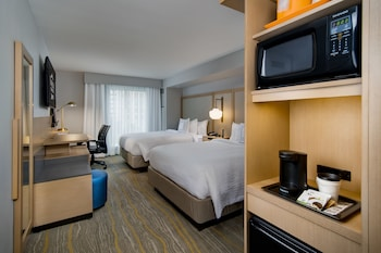 Guestroom at Fairfield Inn & Suites Fort Worth Downtown/Convention Center in Fort Worth