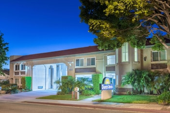Hotel - Days Inn by Wyndham Near City Of Hope