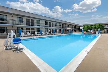Clarion Inn & Suites Lancaster