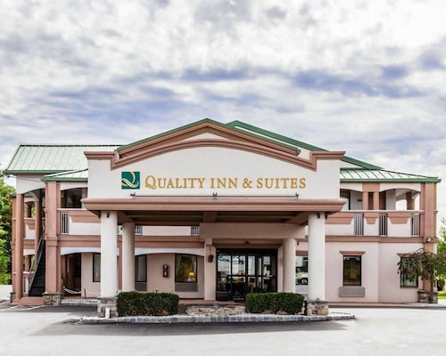 . Quality Inn & Suites Quakertown-Allentown