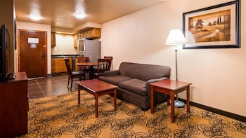 Family Room, 2 Queen Beds, Non Smoking, Refrigerator & Microwave