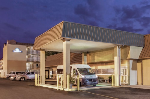. Days Inn by Wyndham New Orleans Airport