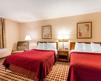 2 Double Beds, Suite, Nonsmoking