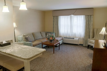 Suite, 2 Queen Beds, Non Smoking, Kitchenette (Sofabed is a double bed)