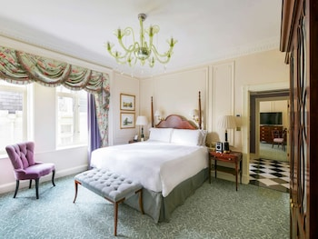 Deluxe Suite, 1 King Bed, City View