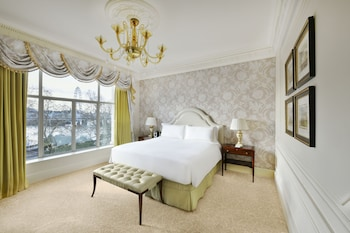 Luxury Room, 1 King Bed, River View