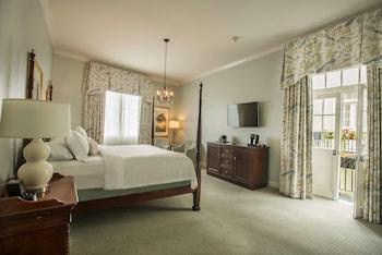Superior Room, 1 King Bed, Balcony