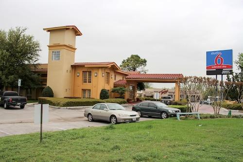. Studio 6 Denton, TX - UNT