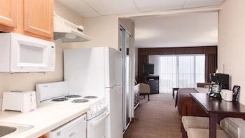 Guestroom at Holiday Inn Ocean City in Ocean City