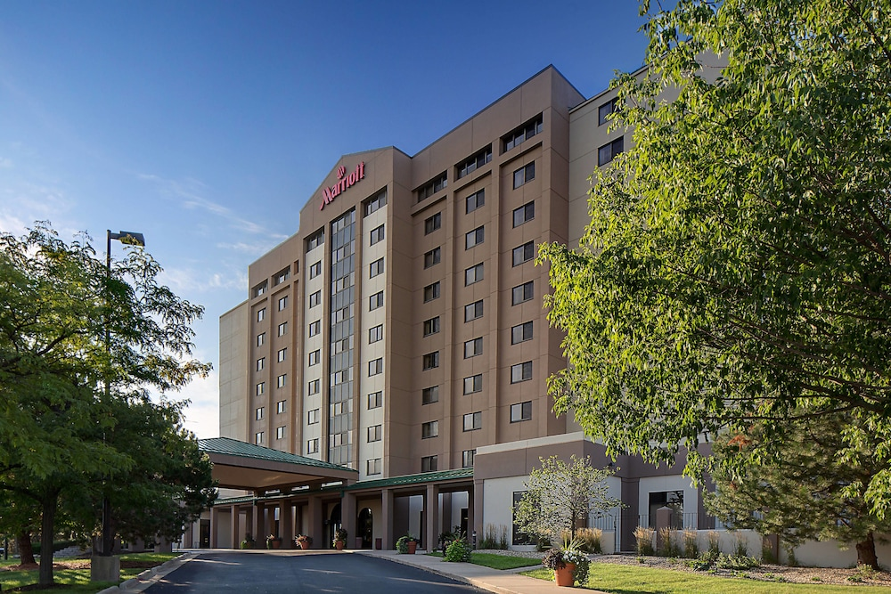 Exterior view of the  Marriott Madison West in Madison, Wisconsin