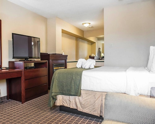 Quality Inn & Suites 1000 Islands, Leeds and Grenville