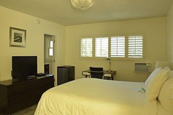 Standard Studio, 1 Queen Bed
