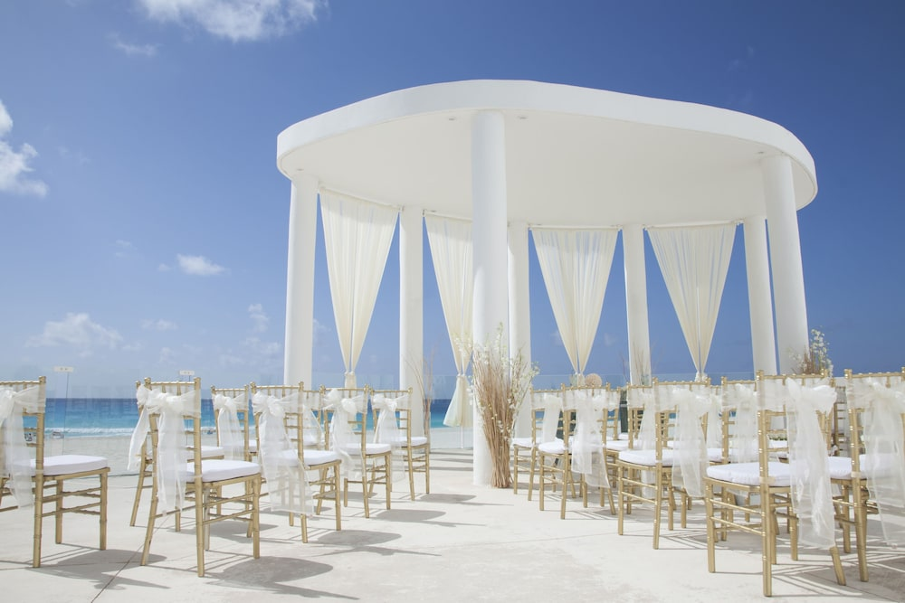 Le Blanc Spa Resort All Inclusive S Only Outdoor Wedding Area