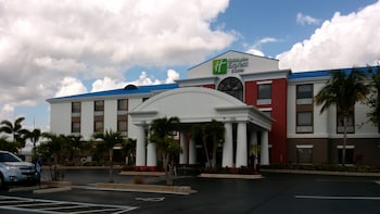 Hotel - Holiday Inn Express Hotel & Suites Lake Okeechobee