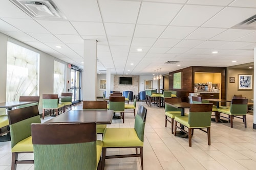Comfort Inn & Suites, Fayette