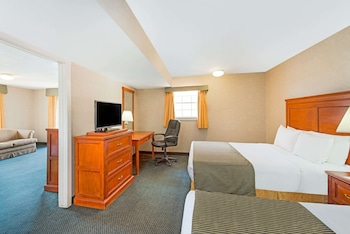 Suite, Multiple Beds, Non Smoking (One-Bedroom)