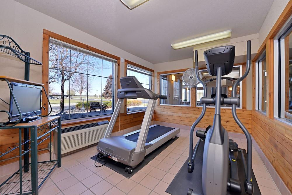 Health and Fitness : Fitness Facility 48 of 95