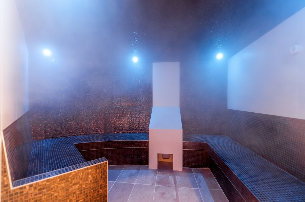 Room : Steam Room 15 of 47