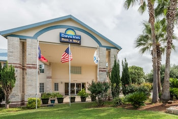 Hotel - Days Inn by Wyndham San Antonio Southeast By AT&T Center