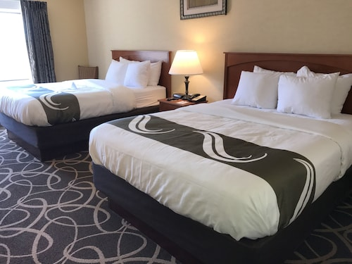 Quality Hotel & Suites At The Falls, Niagara