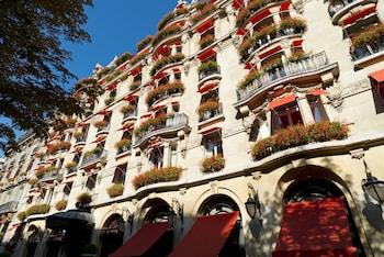 Hotel - Hôtel Plaza Athénée - Dorchester Collection