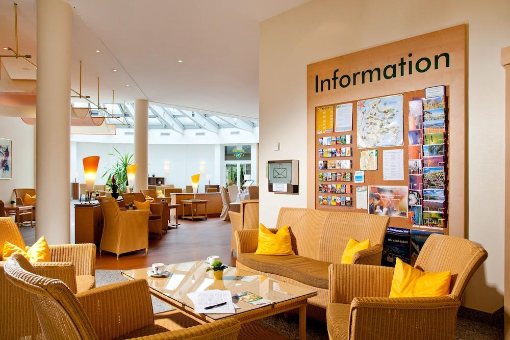 파크호텔 루에겐(Parkhotel Ruegen) Hotel Image 1 - Lobby Sitting Area