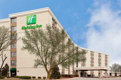 . Holiday Inn Rockford