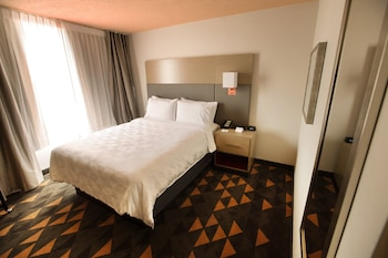 Room, 1 Queen Bed, Non Smoking (Niche)