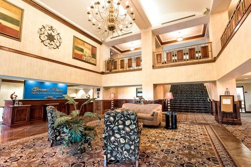 . Grand Plaza Hotel Branson