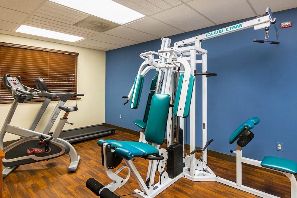 퀄리티 인 & 스위트(Quality Inn & Suites) Hotel Image 22 - Fitness Facility