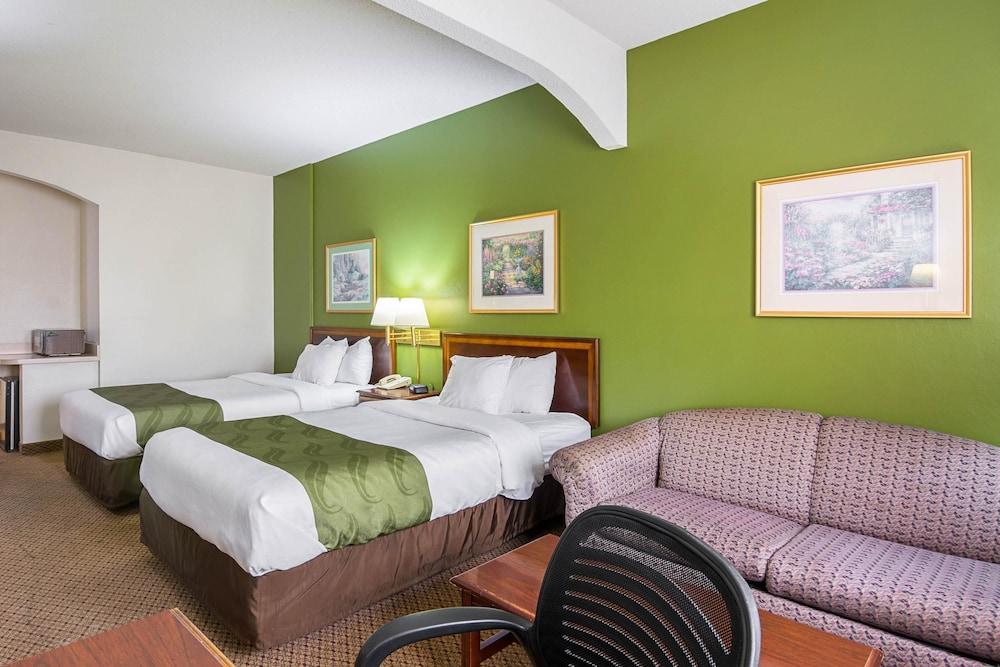 퀄리티 인 & 스위트(Quality Inn & Suites) Hotel Image 9 - Guestroom