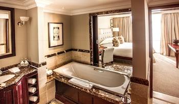 Beverly Hills - Bathroom  - #0
