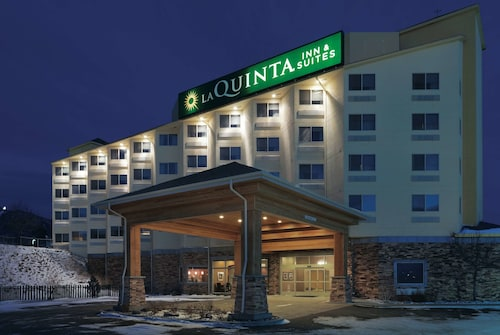 . La Quinta Inn & Suites by Wyndham Butte