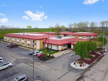 堪薩斯城 I - 435N 綜合體育館附近凱藝套房飯店 Quality Inn & Suites Kansas City I-435N Near Sports Complex