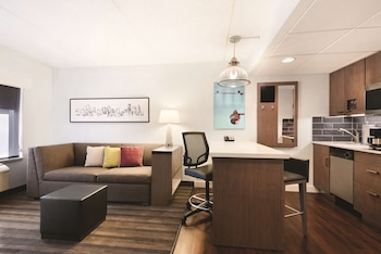 Suite, 1 Bedroom (Top Floor)