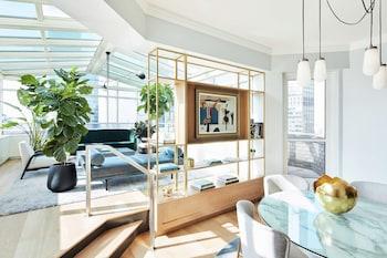 Atrium Suite - One King Bed