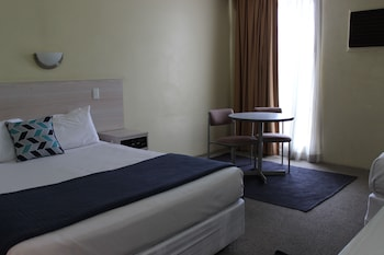 Guestroom at El Toro Motor Inn in Warwick Farm