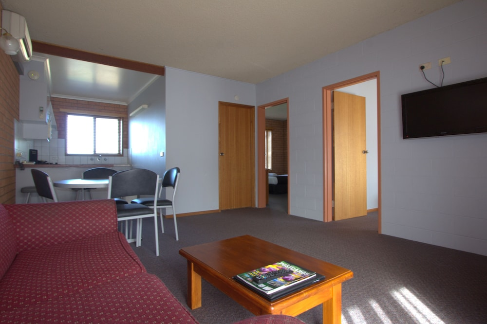 Blue Whale Motor Inn & Apartments, Warrnambool