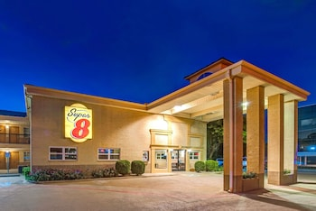 Super 8 by Wyndham Richardson Dallas photo