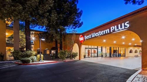 . Best Western Plus Heritage Inn