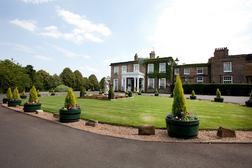 . Ringwood Hall Hotel & Spa