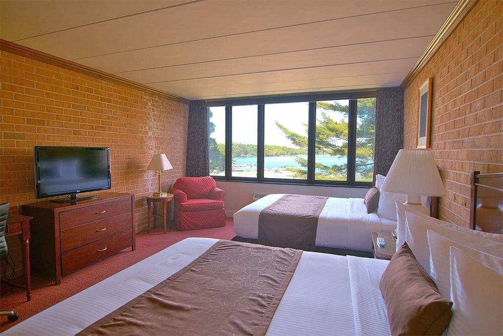 https://i.travelapi.com/hotels/1000000/30000/28100/28091/718f355d_z.jpg