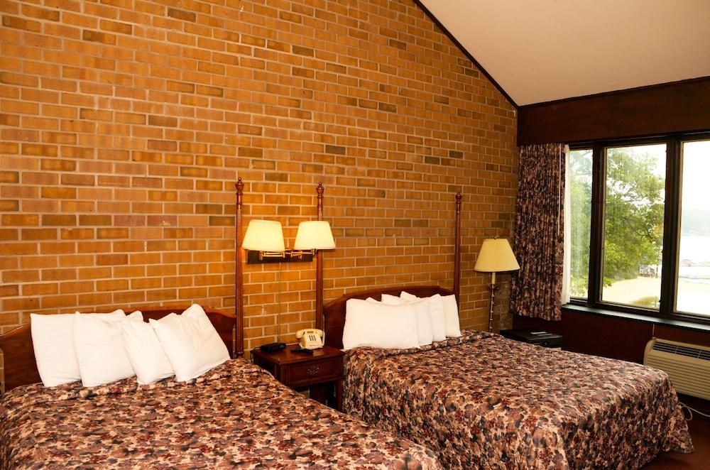 https://i.travelapi.com/hotels/1000000/30000/28100/28091/f68b2193_z.jpg