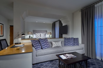 Vista Luxury Room with King Bed