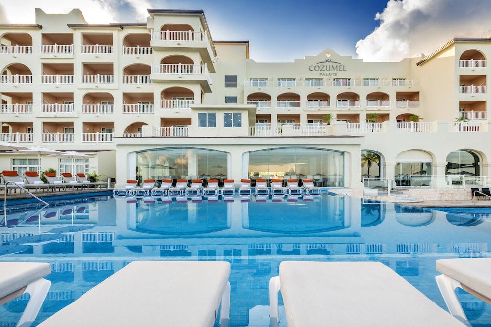 https://i.travelapi.com/hotels/1000000/30000/28200/28116/46ed9325_z.jpg