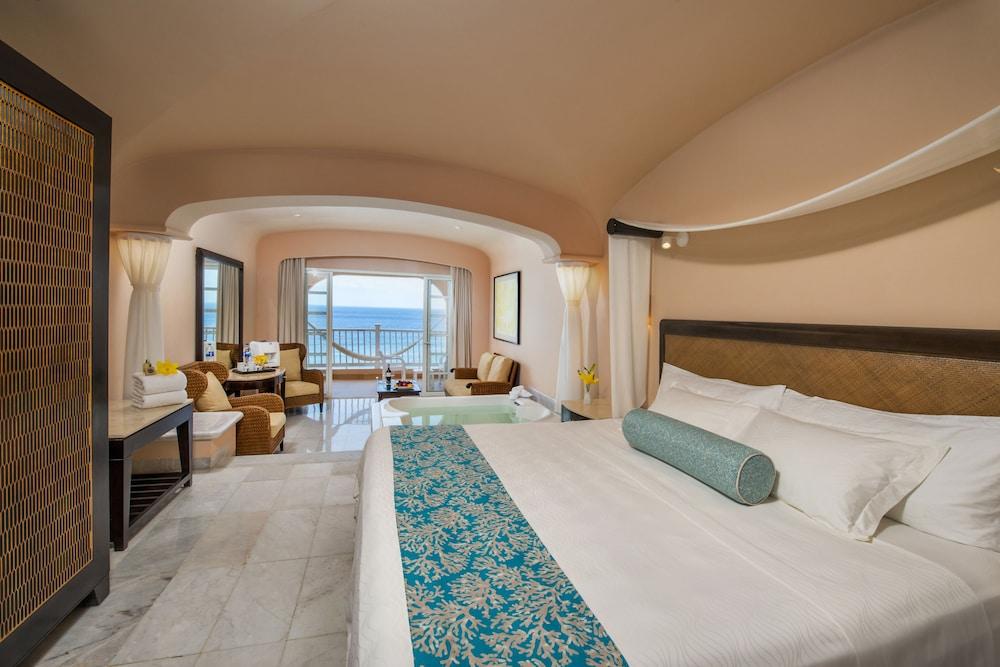 https://i.travelapi.com/hotels/1000000/30000/28200/28116/74f31c83_z.jpg