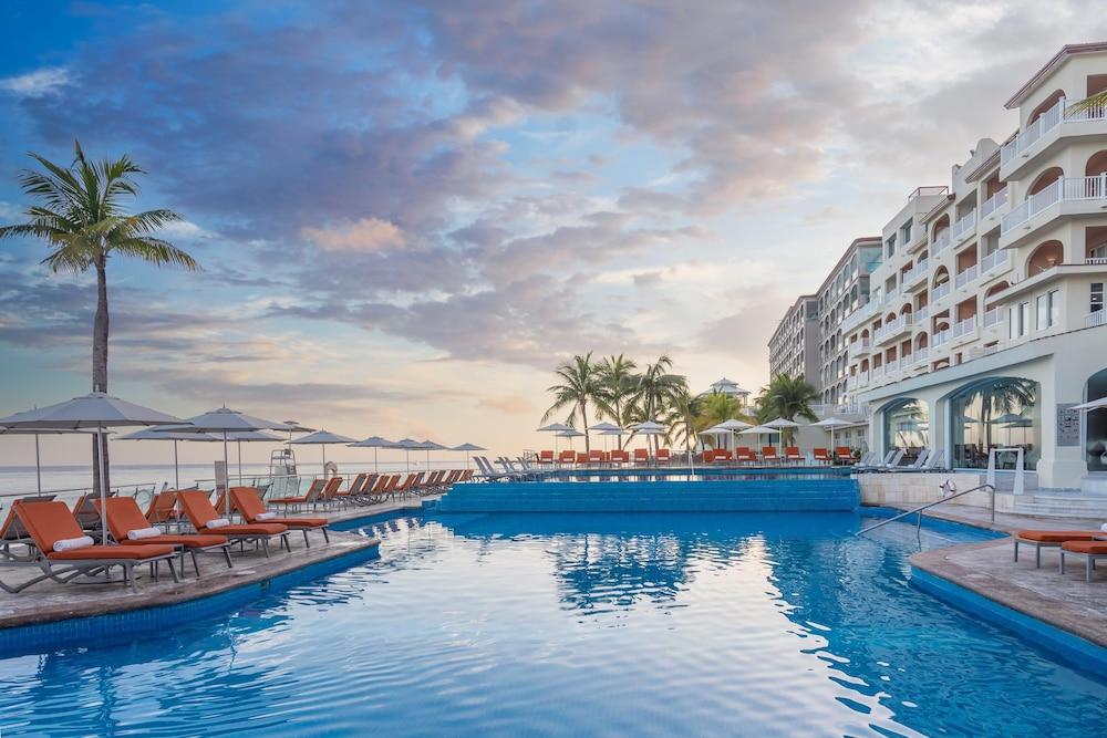 https://i.travelapi.com/hotels/1000000/30000/28200/28116/7bb5c6d6_z.jpg